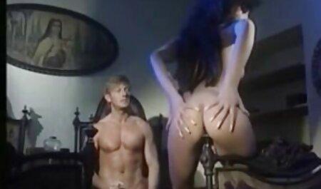 Asiatin im Schrittlosen sex filme mit alten damen Höschen hart gefickt