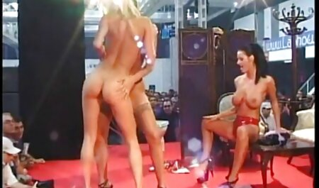 Eine Frau in Uniform pornofilme mit älteren damen