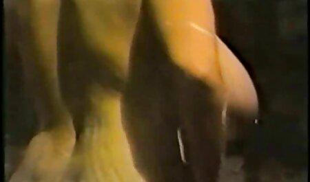 Ebony Chick bekommt ihre Muschi geile alte weiber kostenlos von einem großen Schwanz gestreckt