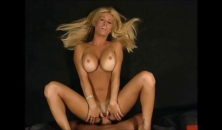 Blond lässt roten Kopf ihre Muschi lutschen, während sexfilme gratis reife frauen Mann zuschaut