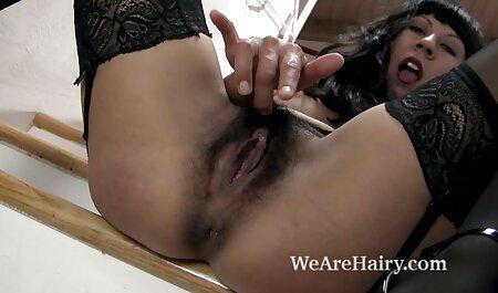Wendys fingert ihre Muschi sexfilme mit ältere frauen im Schlafzimmer